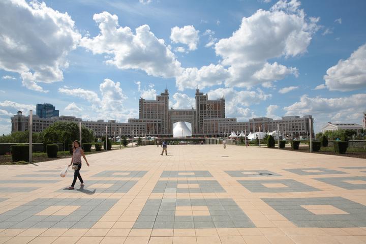 94fe1e391422 Негативные факторы, влияющие на экономику Казахстана в целом, не обошли  стороной рынок коммерческой недвижимости. За прошлый год в Астане и Алматы  были ...