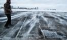Новая «взлётка» аэропорта Уральска – в трещинах и выбоинах