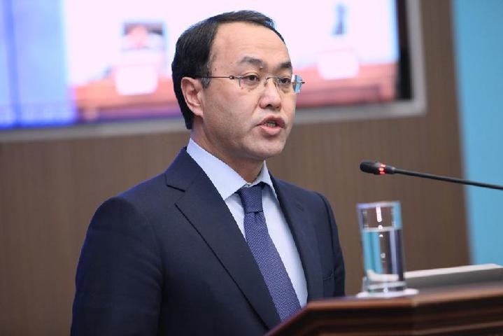 Кожамжаров поведал овывезенных изКазахстана бывшими депутатами деньгах