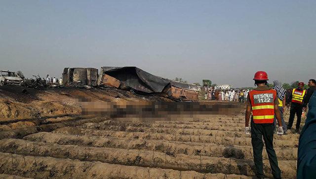 Генеральный секретарь ООН выразил скорбь всвязи свозгоранием топливной цистерны вПакистане