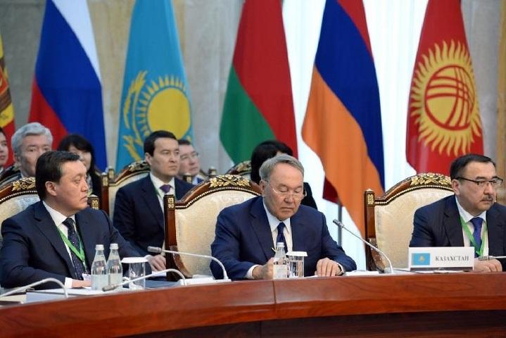 ВБишкеке руководителя стран ЕАЭС проводят совещание вузком составе