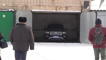 Как чиновники ЗКО купили джип за 24,5 млн тенге, а потом прятали его от общественности