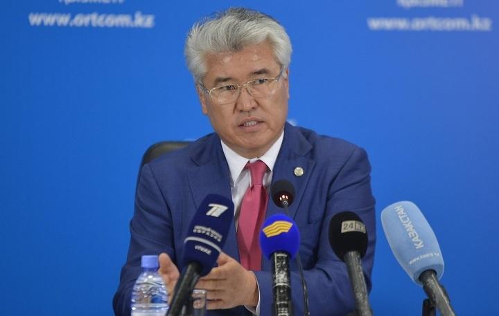 Леонид Питаленко: Переход казахского языка налатиницу даст возможность обогатить язык