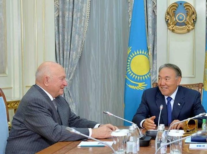 Президент Казахстана подчеркнул заслуги Лужкова вукреплении связей 2-х стран