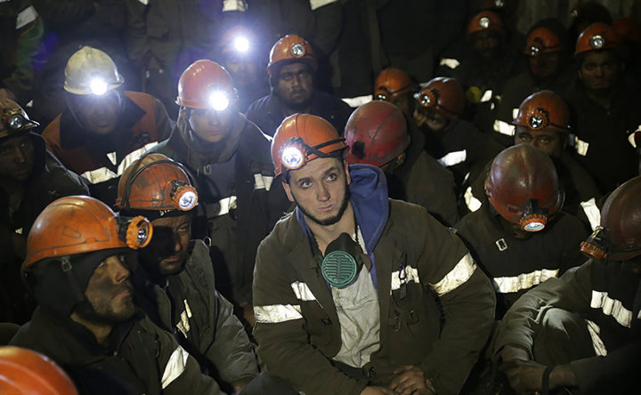 Забастовка вШахтинске: часть шахтеров поднялись иззабоя