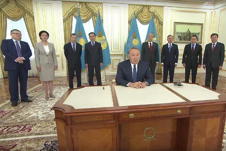 Назарбаев подписал конституционные поправки осудьях ифинцентре «Астана»