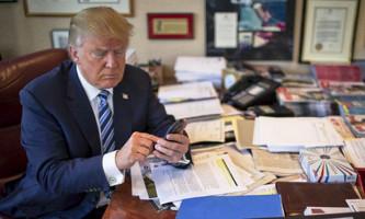 Трамп запретил правительству пользоваться любой техникой Huawei и ZTE