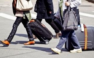 Экономист: Больше других хотят уехать из страны высококвалифицированные казахи