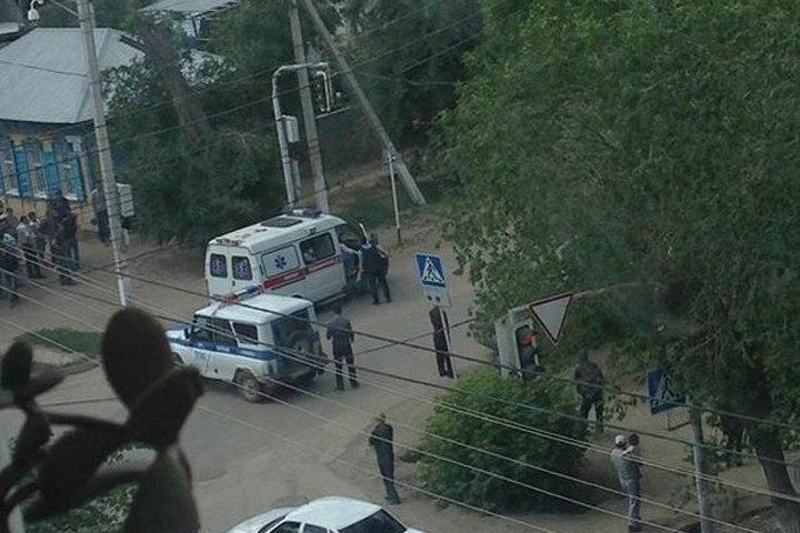 В трёх районах Актобе велась перестрелка