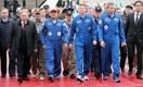 Назарбаев поздравил Аимбетова с возвращением на землю