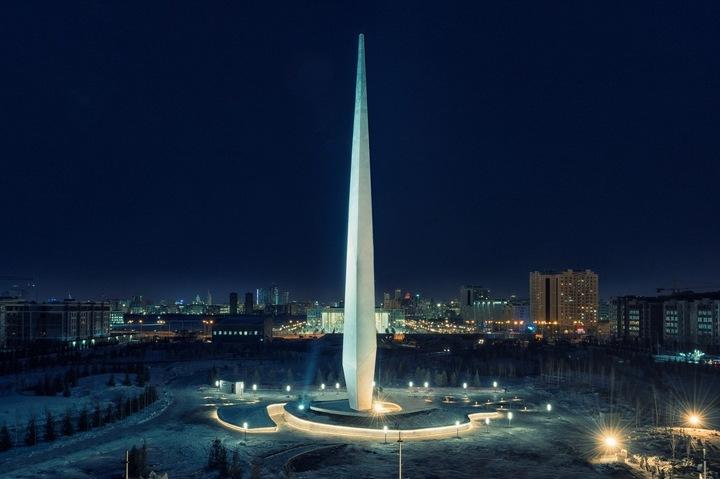 Назарбаев открыл памятник к25-летию Независимости Казахстана