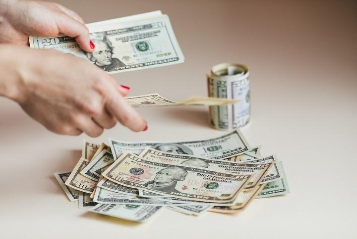 НаKASE число сделок сдолларом выросло до 544