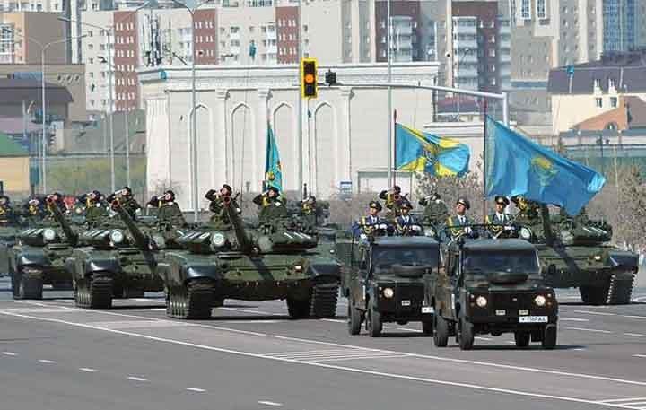 Самый впечатляющий военный парад вистории Казахстана прошел вАстане