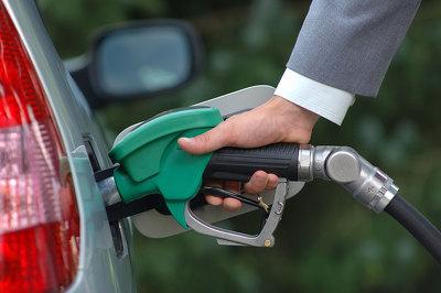 В России продолжают расти цены на бензин марок Аи-92 и Аи-95